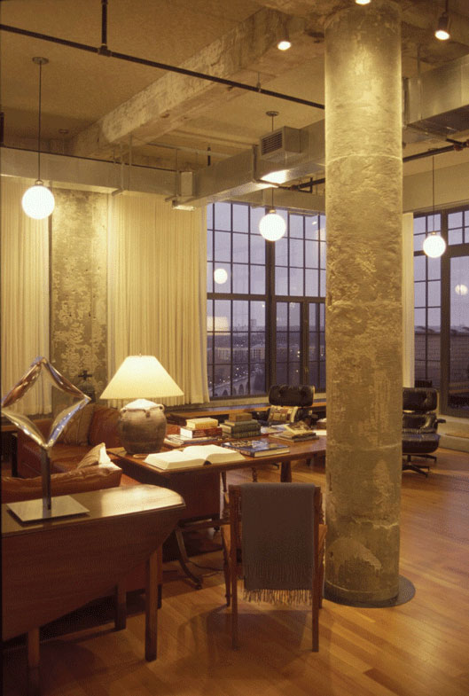 PRIV. LOFT Minneapolis (2002) MN